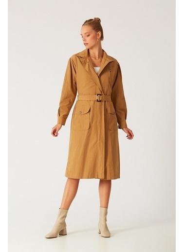 Robin Robin D87029114 Ceket Yaka Uzun Kol Fermuarlı Cep Detaylı Kemerli Camel Kadın Pardösü Camel